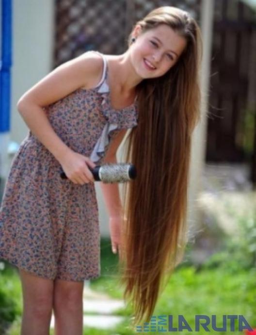 Una niña tiene 11 años y nunca se ha cortado el cabello