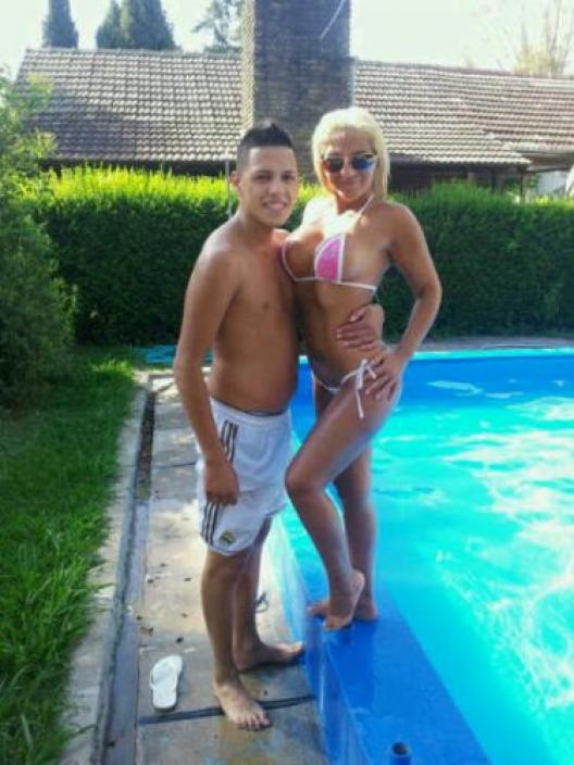 ducha novias de internet córneo cerca de Oviedo