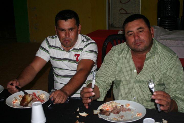 almuerzo interracial aficionado cerca de Oviedo